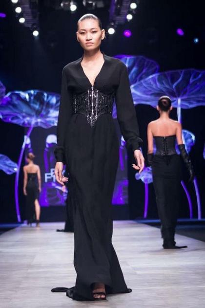 Kim Anh từng là người người mẫu tự do tại TP HCM.