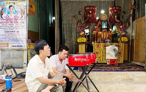 Đám tang người mẫu Kim Anh diễn ra tại nhà riêng của cô ở TP HCM.
