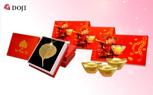 Từ 11/2 đến 17/2, khi tớitrung tâm Vàng bạc trang sức DOJI mua sắm, các bạn sẽ có cơ hội nhận các phần quà tặng may mắn và giá trị nhân dịp đầu năm mới nhưlì xì tiền mặt, quà tặng Lá Bồ Đề vàng, lì xì Âu vàng 24k.