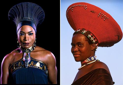Nữ hoàng Wakanda - Ramonda (trái) - từng đội chiếc mũ ấn tượng, có tên gọi Zulu hoặc Isichlos. Mũ Zulu thường được những người phụ nữ có gia đình đội trong các nghi lễ truyền thống.