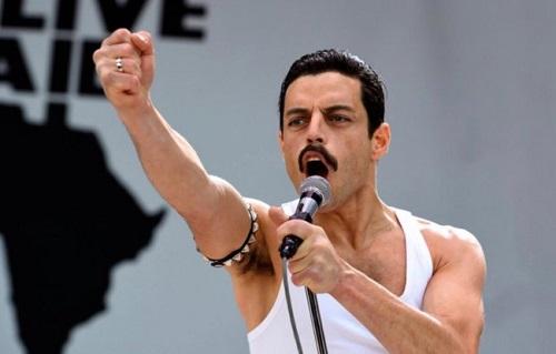 Rami Malek truyền tải được thần thái khi trình diễn của thủ lĩnh nhóm Queen.