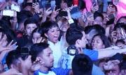 Hàng nghìn fan Philippines vây kín H'Hen Niê