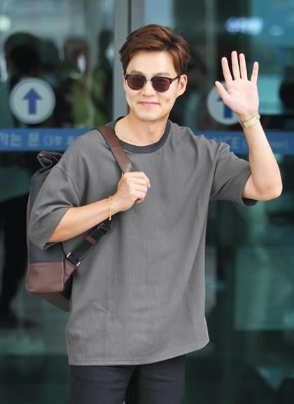 Lee Seo Jin - tài tử tuổi Hợi xuất thân trâm anh thế phiệt của showbiz Hàn - 4