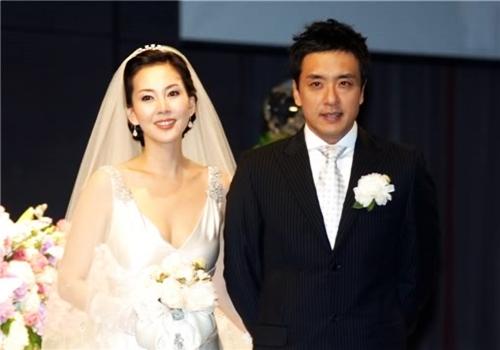 Kim Seung Woo và người vợ thứ hai - Kim Nam Joo.