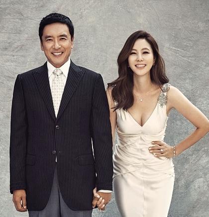 Nam Joo mặc lại váy cưới chụp ảnh cùng trong vào năm 2015.