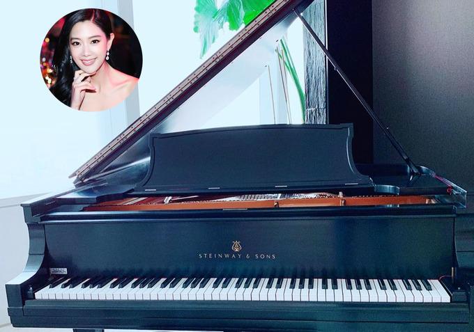 'Bom sex xứ Hàn' được chồng tặng đàn piano mừng năm mới