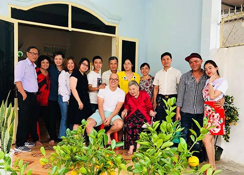 Đạo diễn Vũ Ngọc Đãng khoe hình ảnh gia đình trên trang cá nhân.