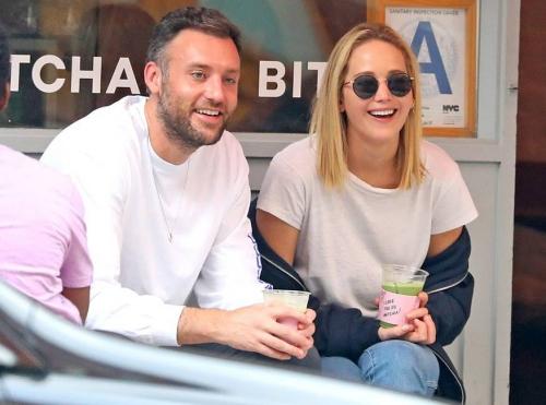 Tháng 10/2018, cặp sao tận hưởng thời gian bên nhau khi đi uống trà xanh ở New York. Cả hai cùng mua thực phẩm và đi massage.