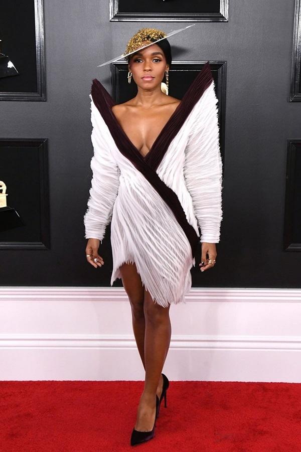 Những trang phục độc lạ ở Grammy 2019