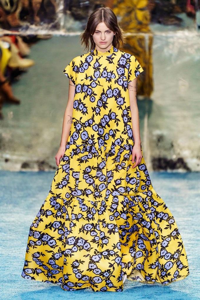 Váy áo lấy cảm hứng từ công nương Meghan Markle