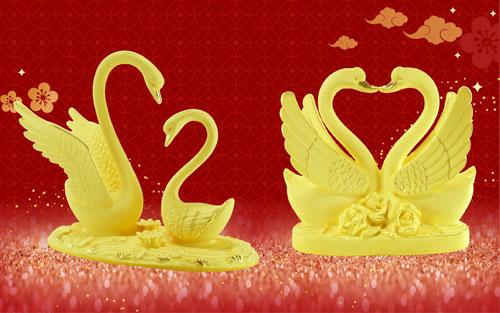 Ngoài vẻ đẹp sang trọng, thiên nga được coi là biểu tượng của tình yêu tinh khôi và bất diệt, lòng chung thuỷ với tập tính ghép đôi suốt đời trọn vẹn của loài chim này. Sản phẩm Niên Niên Hữu Duyên với độ bền vĩnh cửu sẽ là món kỷ vật đi cùng hành trình hạnh phúc lâu dài của cặp đôi.