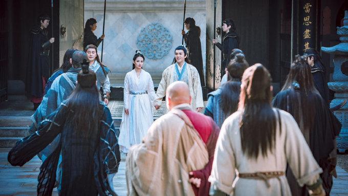 Triệu Mẫn, Chu Chỉ Nhược của 'Ỷ Thiên' 2019 được khen ngợi