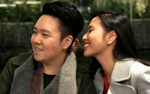 Lê Hiếu đăng hình ảnh ngọt ngào của anh với vợ mới cưới - Thu Trang - kèm lời nhắn đơn giản: Happy Valentines day.