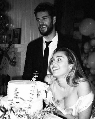 Liam Hemsworth đang nằm viện và không thể cùng Miley Cyrus dự một số sự kiện của làng giải trí.