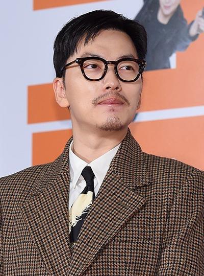 Diễn viên Lee Dong-Hwi.