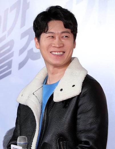 Diễn viên Jin Seon Kyu.