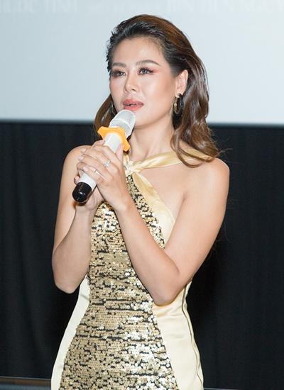 Nam Thư khóc kể chuyện vay nợ để làm phim.