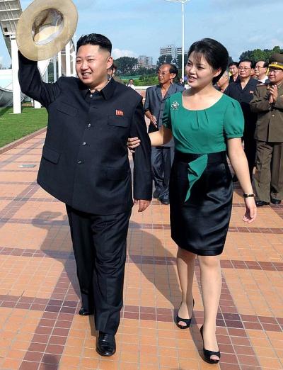 Ri Sol-ju là vợ của nhà lãnh đạo Triều Tiên Kim Jong-un. Cô được cho là sinh năm 1989, kết hôn với ông Kim Jong-un vào năm 2012. Có nguồn tin cho rằng cô đã sinh ba con và trước khi kết hôn cô từng là ca sĩ chuyên nghiệp.