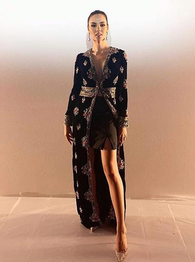 Catriona Gray vừa tham dự các hoạt động ở Tuần thời trang New York, Mỹ. Khi đến xem show của nhà mốt