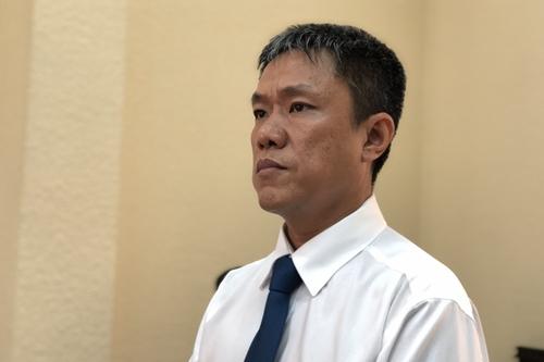 Họa sĩ Lê Linh trong phần tuyên án. Ảnh: Mai Nhật.