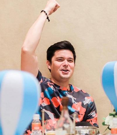 Vợ chồng Mỹ nhân đẹp nhất Philippines mừng con trai sắp chào đời - 4