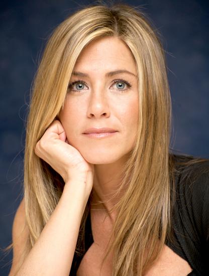 Jennifer Aniston bước sang tuổi 50 hôm 11/2.