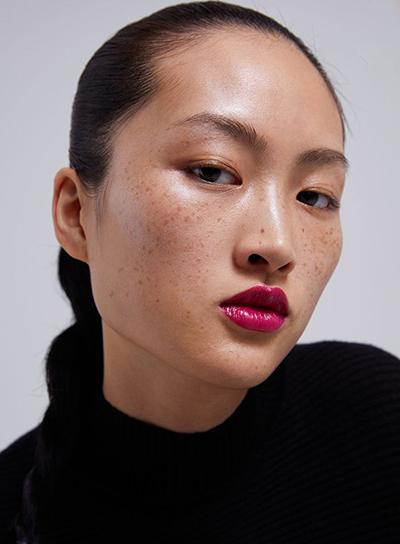 Người mẫu Li Jingwen.