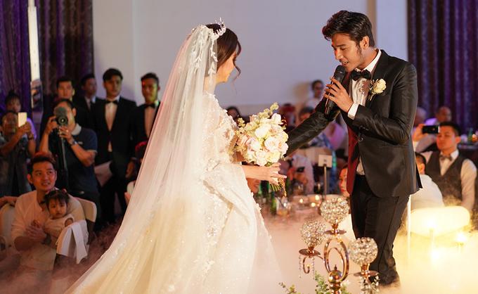 Chồng hát tặng Vũ Ngọc Ánh ở tiệc cưới
