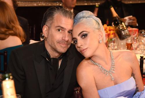 Lady Gaga và Christian Carino tại Lễ trao giải Quả Cầu Vàng 2019 hồi tháng 1.