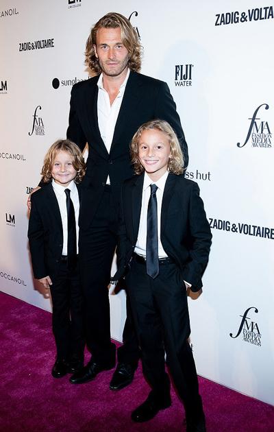 Hudson Kroenig là con lớn của nam người mẫu Brad Kroenig - nàng thơ một thời của Karl Lagerfeld.