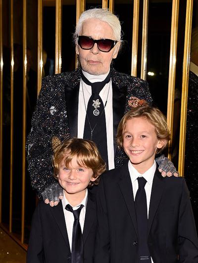 Karl từng nói trên The New York Times, ông coi Hudson như người thân trong gia đình: Tôi không có gia đình, vì thế thật tốt khi có một người con trai mà không phải chịu đựng những vấn đề không thoải mái của con trẻ.