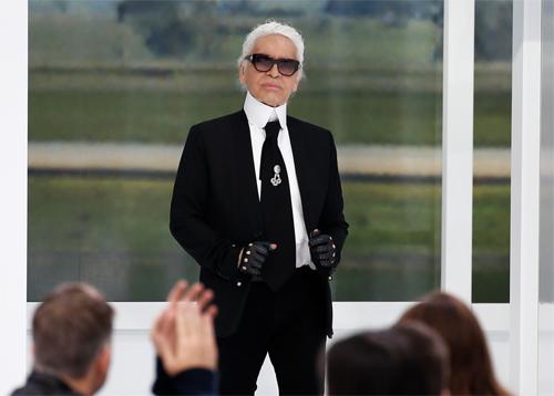 Karl Lagerfeld qua đời sau vài tuần lâm bệnh. Ảnh: Reuters.