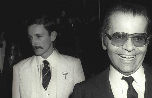 Jacques (trái) và Karl Lagerfeld ở Paris năm 1979.