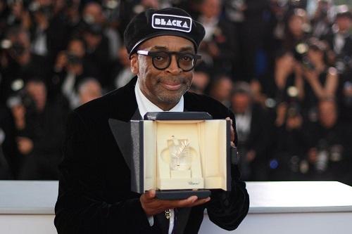 Đạo diễn Spike Lee nhận giải ở Cannes.
