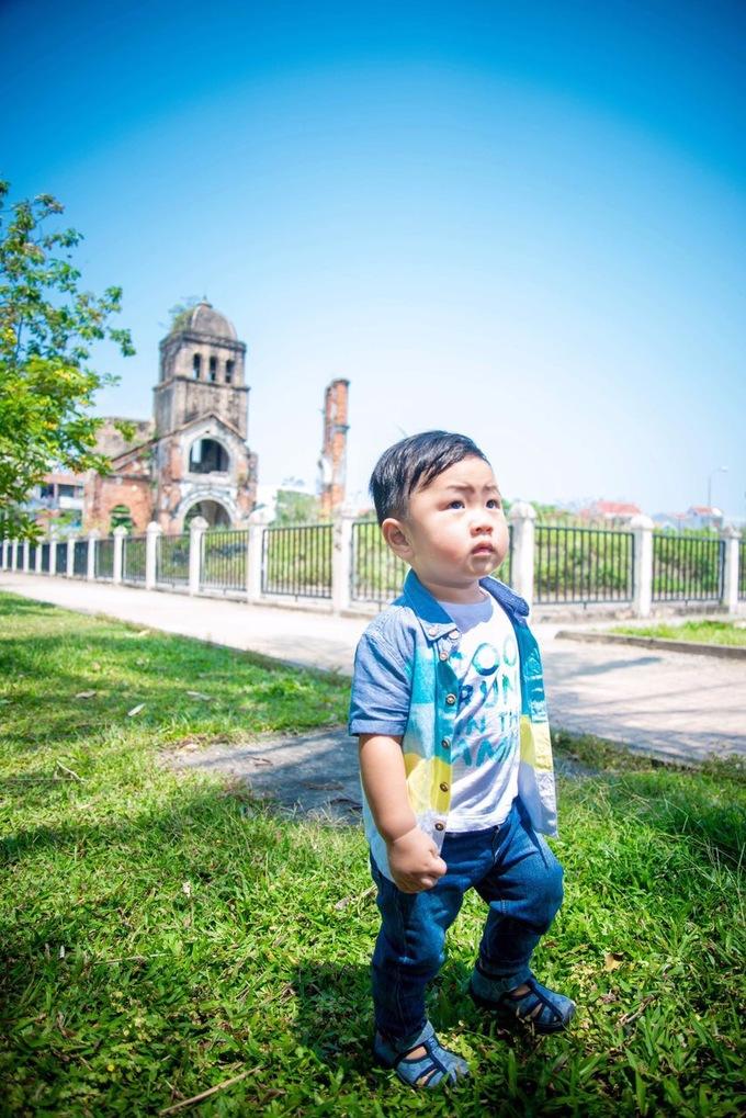 Con trai hai tuổi của ca sĩ Mỹ Lệ