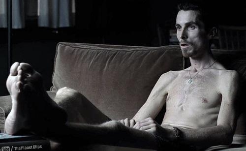 Christian Bale gầy còm trong The Machinist (2004).