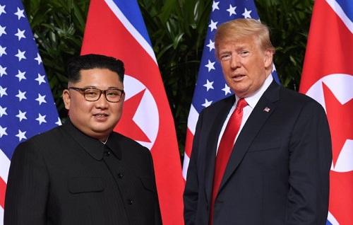 Donald Trump và Kim Jong-un gặp gỡ hồi tháng 6/2018 ở Singapore.