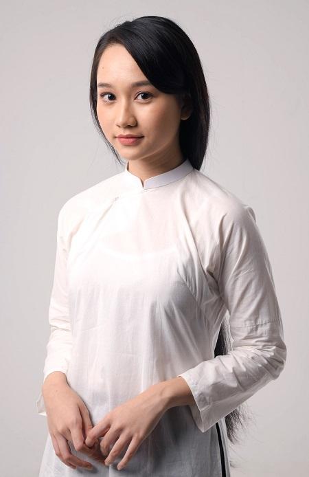 Cô được quan tâm sau khi vượt gần 1.400 ứng viên để nhận vai Hà Lan trong Mắt biếc (Victor Vũ đạo diễn, chuyển thể từ truyện cùng tên của Nguyễn Nhật Ánh).