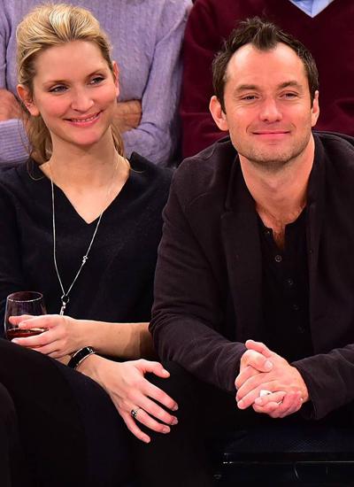 Jude Law vàPhillipa Coan đính hôn sau bốn năm hẹn hò.