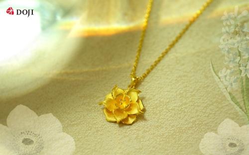 Dòng sản phẩm trang sức vàng 24K công nghệ mới của DOJI không chỉ sở hữu thiết kế đẹp mắt, ấn tượng mà còn có giá cả hợp lý, phù hợp với nhiều khoảng ngân sách khác nhau. Ngoài đáp ứng nhu cầu làm đẹp, món quà lý tưởng này còn có khả năng tích trữ cao