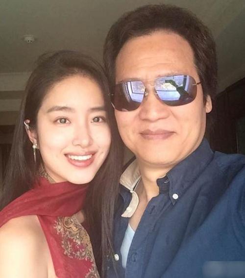 Người tình kém 30 tuổi của cha nuôi Lưu Diệc Phi