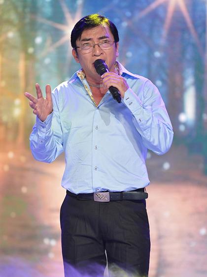 Ca sĩ Đình Văn.