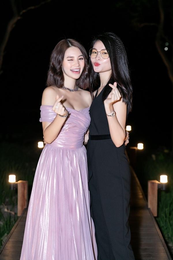 Jolie Nguyễn mở tiệc mừng tuổi 22