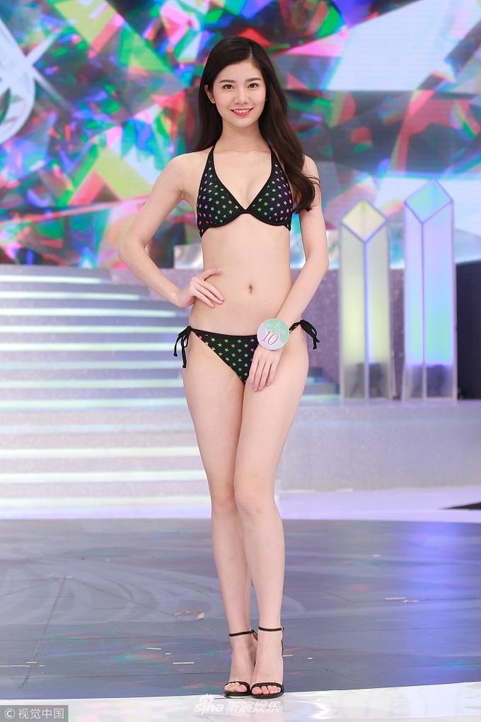 Dàn thí sinh hoa hậu TVB: Người tự tin, kẻ rụt rè khi diễn bikini