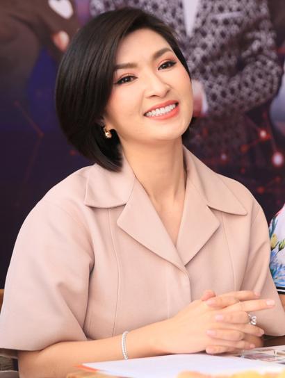 Ca sĩ Nguyễn Hồng Nhung ở tuổi 38.