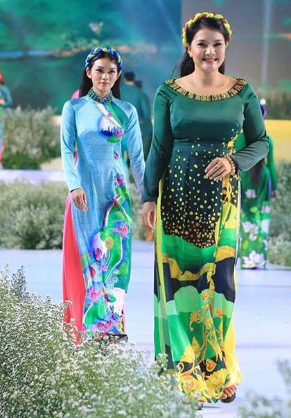 Mẹ con diễn viên Kiều Trinh - Thanh Tú.