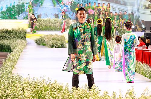 Người mẫu Hồ Đức Vĩnh.