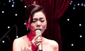 Hàng trăm khán giả Sài Gòn nghe Lệ Quyên hát đến 1h sáng