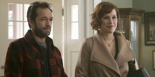 Luke và Molly trong series Riverhale (2017- 2018).