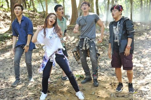 Katleen Phan Võ và các diễn viên trong phim: Jay Quân, Mạc Văn Khoa, Huy Khánh, Hoàng Mèo (từ trái qua).